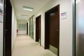izolarea fonica a usilor de acces in locuinta 1